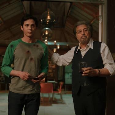 Al Pacino et Logan Lerman dans la série Hunters sur Amazon Prime Video.