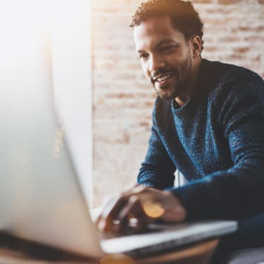 Pour éviter les arnaques par mail ou les virus, certains réflexes sont nécessaires avant d'ouvrir ses courriers électroniques.