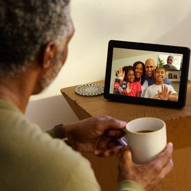 Pour sa deuxième génération Echo, Amazon sort un nouvel assistant intelligent avec de nouvelles fonctionnalités, dont un écran.