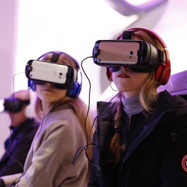 Les salles de réalité virtuelle émergent en France.