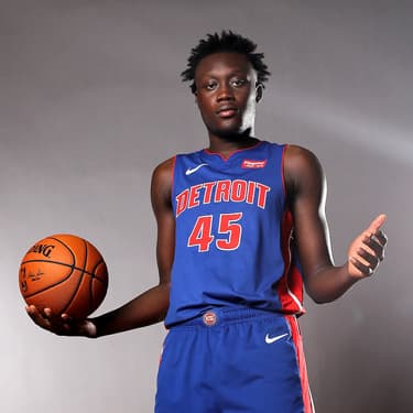 Sekou Doumbouya, numéro 45 des Detroit Pistons, le 11  août 2019 au Ferguson Recreation Center à Madison dans le New Jersey.