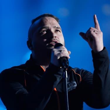 Le rappeur Jul sur la scène des victoires de la musique en 2017.