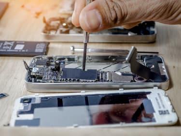 Bientôt le retour des batteries remplaçables dans les smartphones ?