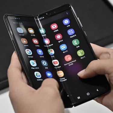 Le Samsung Galaxy Fold lors de sa sortie en Corée du Sud le 6 septembre 2019.