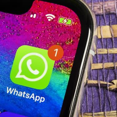 La marche à suivre pour récupérer un message supprimé sur WhatsApp.