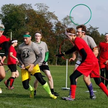 Un match de Quidditch à Vincennes, en 2014, opposant les Loups Garous Argentés aux Bloody Play