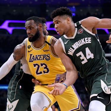 LeBron James et Giannis Antetokounmpo, stars des conférences Ouest et Est, dans un match des Lakers face aux Milwaukee Bucks à Los Angeles, le 6 mars 2020.