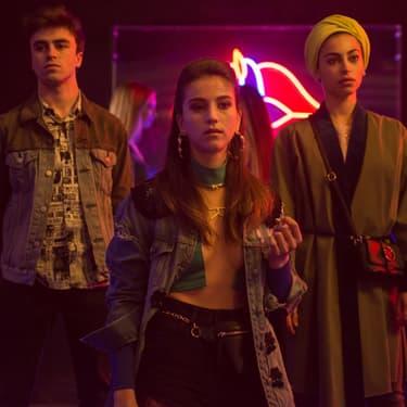 Itzan Escamilla (Samuel), Claudia Salas (Rebeca) et Mina El Hammani (Nadia) dans la saison 2 d'Élite.