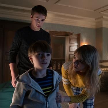 """Connor Jessup, Jackson Robert Scott et Emilia Jones campent les jeunes héros de """"Locke & Key""""."""