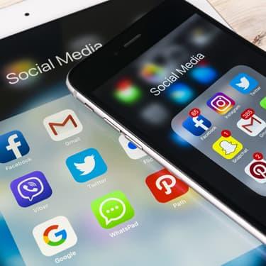 Les réseaux sociaux et applications de communication, stars des smartphones dans les années 2010.