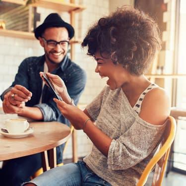 Après la 3G et la 4G, les réseaux 5G devraient venir révolutionner les pratiques sur internet et smartphones.