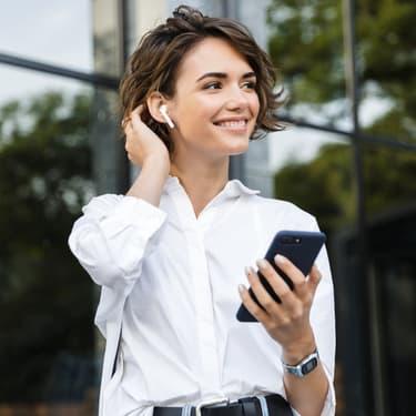 Bientôt un smartphone avec rangement pour écouteurs intégré ?