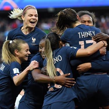 Les Bleues pendant un match face à la Corée du Sud en Coupe du Monde, au Parc des Princes à Paris, le 7 juin 2019.in Paris.