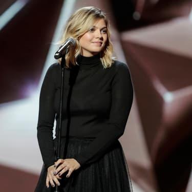 """Louane revient avec """"Donne-moi ton cœur"""", un nouveau single estival"""