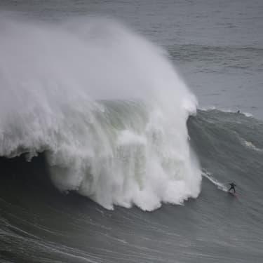 Record battu de la plus grosse vague jamais surfée par une femme ?