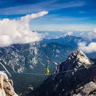 La slackline en montagne, une pratique dangereuse, qui n'est pas donnée à tout le monde !