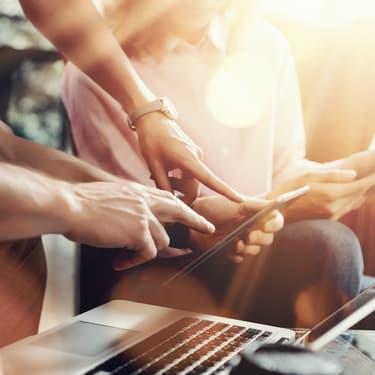 Depuis sa première apparition en 1997, le wifi n'a cessé d'évoluer. Cette année, il se révolutionne encore avec une nouvelle norme : Wi-Fi 6.