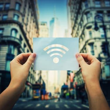Vous saurez tout de cette technologie sans fil, de ses ondes électromagnétiques aux fréquences qu'elle utilise !