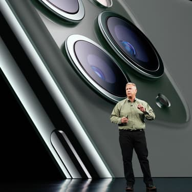 Phil Schiller dévoile l'iPhone 11 Pro et l'iPhone 11 Pro Max, lors de la keynote Apple en septembre 2019.