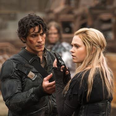Clarke Griffin (Eliza Taylor) et Bellamy Blake (Bob Morley), un couple que les fan The 100 aimeraient bien voir ensemble dans la série.