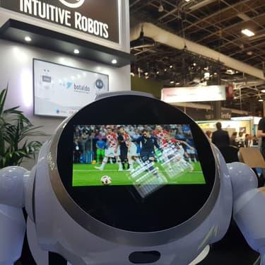 Cruzr, le robot fan de foot rencontré à VivaTech.