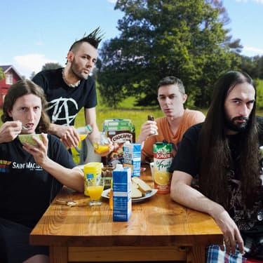 Quand le groupe de metal Ultra Vomit prend son petit-déjeuner