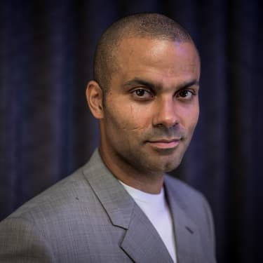 Tony Parker pose pour une interview à Paris, le 9 octobre 2019.