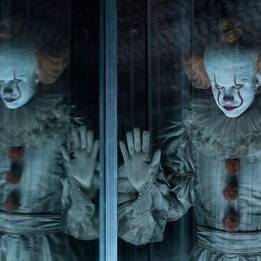 """Bill Skarsgard revient semer la terreur dans son rôle de Pennywise, le clown de """"Ça""""."""
