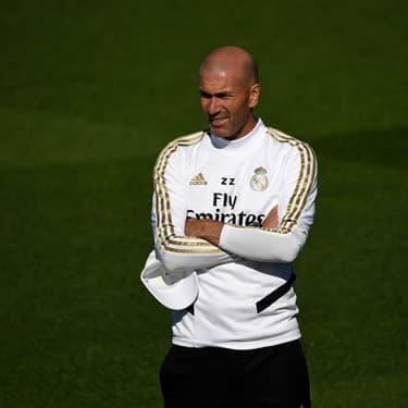 Zinédine Zidane lors d'une session d'entraînement à Valdebebas Sport City à Madrid, le 27 septembre 2019.