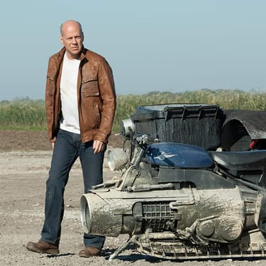 Bruce Willis s'invite sur SYFY pendant le confinement.
