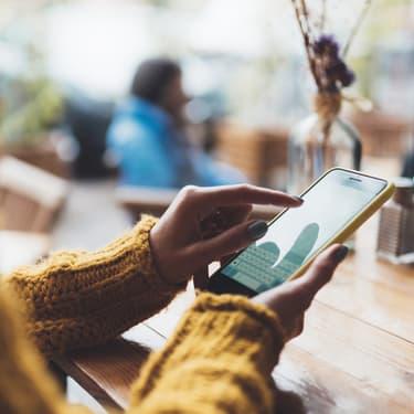Bientôt un smartphone à double écran en forme de T ?