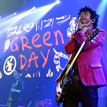 Billie Joe Armstrong de Green Day sur la scène du iHeartRadio Theater à Burbank, en Californie, le 7 février 2020