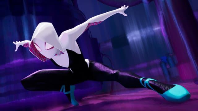 Spider-Gwen (doublée par Hailee Steinfield), dans le film Spider-Man : New Generation.