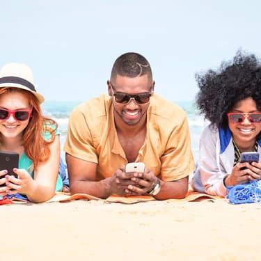 Forfaits mobile : vague de promos chez SFR, jusqu'à -80%