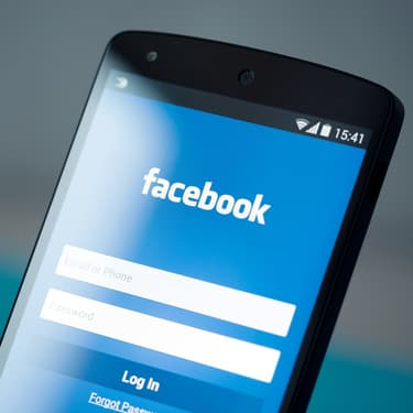 Facebook supprime 5 milliards de faux comptes