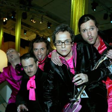 Les Fatals Picards candidats décalés pour la France lors de l'Eurovision à Helsinki en 2007.