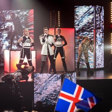 Le groupe Hatari, candidat pour l'Islande à l'Eurovision 2019, sur la scène d'Haskolabio.