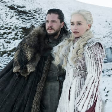 Daenerys Targaryen (Emilia Clarke) et Jon Snow (Kit Harrington) dans la saison 8 de Game of Thrones.