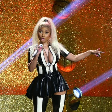 Nicki Minaj sur la scène des MTV Video Music Awards le 27 août 2017, à Inglewood en Californie.