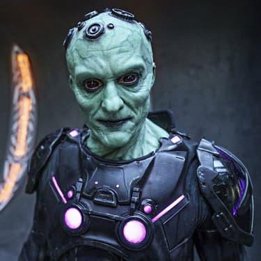 Brainiac (Blake Ritson), le collectionneur des mondes, l'un des grands antagonistes de Seg-El (Cameron Cuffe) dans la série SYFY Krypton.