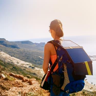 Les panneaux solaires sont en pleine expansion. Dans quelques années, tout le monde sera équipé d'un sac à dos solaire !