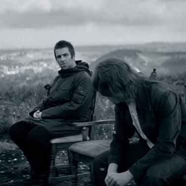 "Liam Gallagher tout en mélancolie dans le clip de ""One Of Us""."
