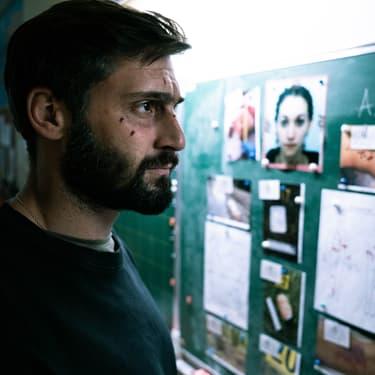 Guillaume Labbé incarne Adam Belmont, un flic atteint d'amnésie qui enquête sur un tueur en série...