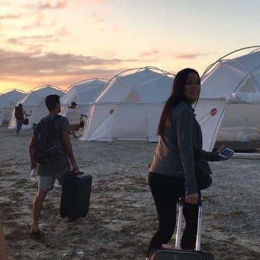 Avec son documentaire Fyre Festival, Netflix revient sur le festival de musique de luxe qui n'a jamais eu lieu.