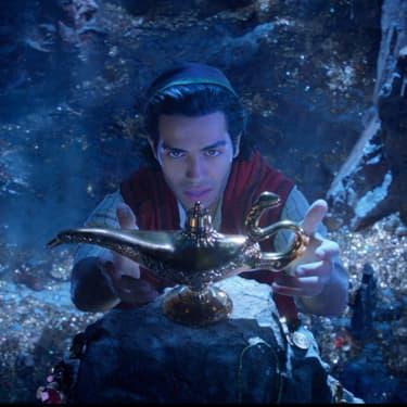 Aladdin attrape la lampe magique pour la première fois dans le remake en live action de 2019.