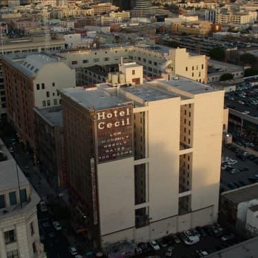 """Cecil Hotel : Netflix enquête sur """"l'hôtel de la mort"""""""