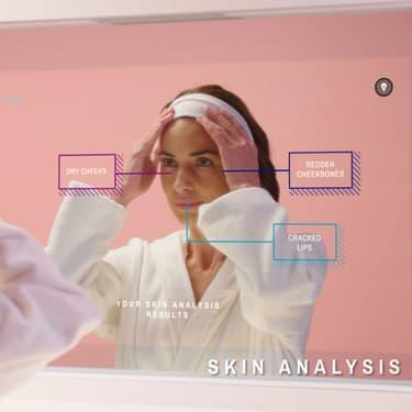 Le miroir connecté CareOS et sa technologie d'analyse de peau.