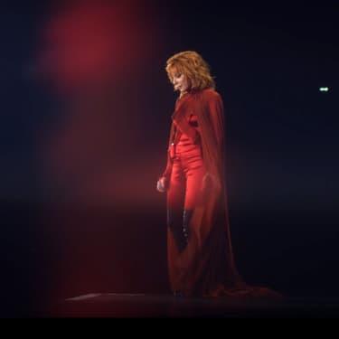 Découvrez L'Âme dans l'eau, le nouveau single de Mylène Farmer