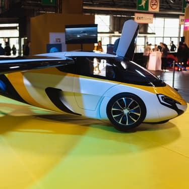 L'hybride voiture et avion Aeromobile était présente au salon Viva Technology 2019.