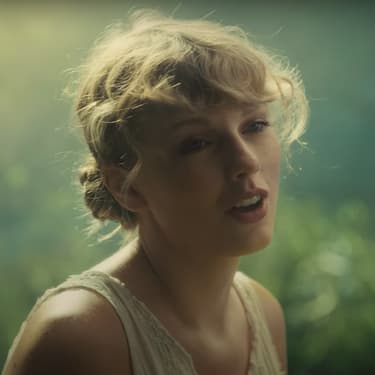 Taylor Swift revient avec folklore, son album de confinement